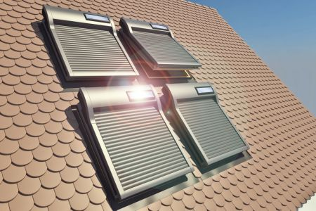 Dachfensterrollladen-2_Kern-Rollladen.jpg